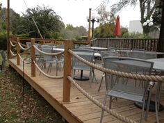 Well Designed Deck Railing Ideas for your Beautiful Porch and Patio! Rope Fence, Rope Railing, Deck Railing Design, Patio Railing, Deck Design, Patio Stairs, Railing Ideas, Railings For Decks, Design Design