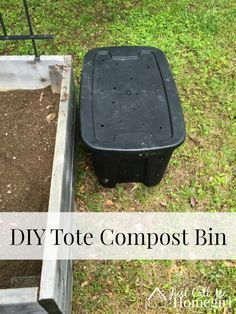 Outdoor Compost Bin, Making A Compost Bin, Compost Container, How To Make Compost, Garden Compost, Diy Compost Bin, Container Gardening, Diy Compost Tumbler, Compost Tumbler