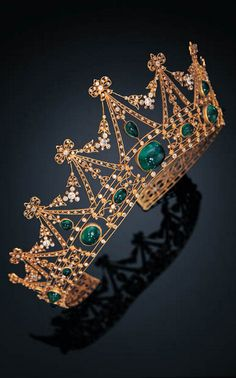 A BELLE EPOQUE EMERALD AND DIAMOND TIARA, TIFFANY & CO.circa 1905 signed Tiffany & Co.
