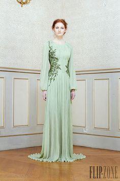 Rami Al Ali - Haute couture - Printemps-été 2014 - http://www.flip-zone.fr/fashion/couture-1/independant-designers/rami-al-ali-4441