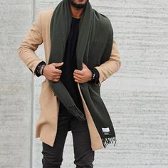 Style Tips for Guys Who Want to Look Sharp. High Fashion Men, Love Fashion, Fashion 2017, Fashion Ideas, Mens Fashion Quotes, Fashion Network, Men With Street Style, Sharp Dressed Man, Stylish Men