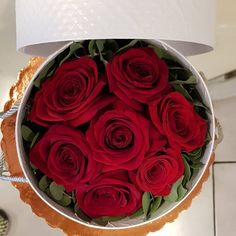 Κουτί λευκό με κόκκινα  τριαντάφυλλα δωρο αγάπης και αφοσίωσης. Αποστολή | λουλουδιών | ανθοπωλειο | Ανθοπωλεία | online  | buy online flowers | order online flowers Greece | Valentine's day roses | red roses