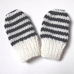 These mittens look lovely in thin stripes of 2 rows each, and stripes fit easily into the pattern too - but you can choose any colour scheme you like.
