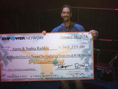 O Aaron recebeu o seu cheque neste fim de semana em Miami. http://badasscontent.com/Aaron-rashkin
