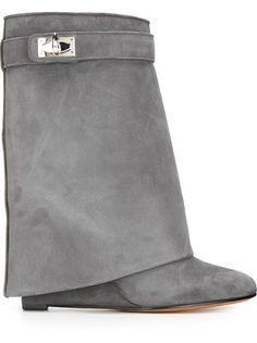 9304a373a17 52 beste afbeeldingen van BOOTS - High heeled boots, Long boots en ...