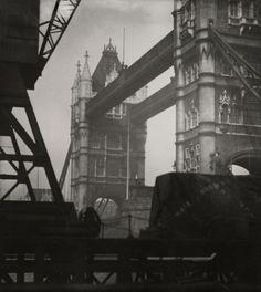 Tower Bridge, London, 1926.