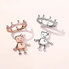 Happy #SiblingsDay! Make your sisters feel like royalty today with our collectable #BellaBot charms. Hand-finished in sterling silver and PANDORA Rose, this sweet little charm is the perfect reminder that kindness and generosity run in the family. #PANDORACharm #DOPANDORA #seeyouatalberts #📷 @theofficialpandora
