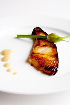 Miso Cod - delicious, moist and tender black cod marinated with Japanese miso. This miso cod recipe is made famous by Nobu Matsuhisa | rasamalaysia.com
