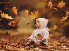 Fall is a great time for photos, given all the beautiful colours, here's 7 pictures to take of your baby this fall.