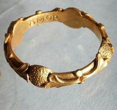 """Early English gold posy ring ca Engraved """" pour amore """" inside.pour amore mean for my love Renaissance Jewelry, Medieval Jewelry, Ancient Jewelry, Antique Jewelry, Gold Jewelry, Vintage Jewelry, Fine Jewelry, Wiccan Jewelry, Viking Jewelry"""