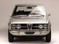 1972 Alfa Romeo Alfetta by Auto Clasico Alfa Romeo 4c, Alfa Romeo Cars, Alfa Romeo Giulia, Jaguar, Ferrari, Mercedes Benz, Best Muscle Cars, Best Classic Cars, Sports Sedan