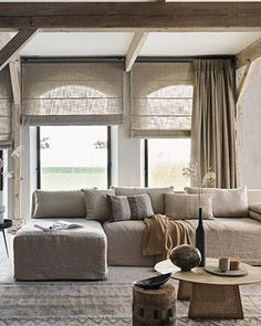 Interior Design Curtains, Interior Styling, Interior Decorating, Window Treatments Living Room, Modern Master Bedroom, Small Space Living, Room Lights, Living Room Inspiration, New Room