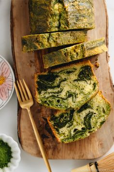 Rustic and delectable, with its rich green tea swirls, this buttery Matcha Marble Pound Cake perfectly accompanies that afternoon cup of coffee or tea enjoyed with friends. Matcha Dessert, Matcha Cake, Green Tea Dessert, Marble Pound Cakes, Marble Cake, Best Pound Cake Recipe, Pound Cake Recipes, Easy Japanese Recipes, Japanese Food