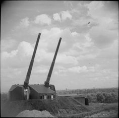 Twin 5.25-inch guns of an anti-aircraft battery at Primrose Hill in London, 27 August 1943.