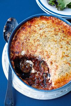 Foodie Travel 284430532692906228 - Moussaka is a classic Greek dish made from aubergines and lamb mince. This tasty recipe is quick and easy, and can be made ahead. Source by deliciousmaguk Greek Recipes, Meat Recipes, Cooking Recipes, Healthy Recipes, Lamb Mince Recipes, Turkish Recipes, Healthy Food, Carne, Gourmet