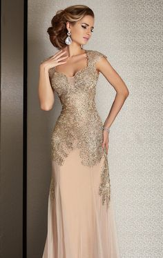 Dress like a celebrity with beautiful dresses designed for the Red Carpet. From long and elegant to short and sexy, our Hollywood gowns are meant to impress! Mother Of The Bride Gown, Mother Of Groom Dresses, Mothers Dresses, Elegant Dresses, Cute Dresses, Prom Dresses, Formal Dresses, Wedding Dresses, Mom Dress
