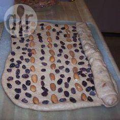 Krentenbrood, Kerst- en Paasbrood @ allrecipes.nl