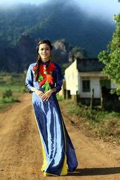Áo dài quý bà - CM207 / Travelling with your long dress, it's the greatest idea, why don't you try now? :)