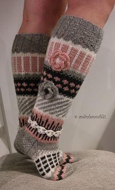 Second Design: Anelmaiset Knitted Boot Cuffs, Knit Boots, Knitted Slippers, Wool Socks, Crochet Socks, Knitting Socks, Crochet Stitches, Knit Crochet, Knitting Patterns