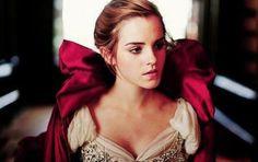 """Revelan imágenes y vídeo de emma watson en """"La Bella y la Bestia"""" -➜"""