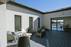 Modèle de maison Maison PRO-ecoTM PATIO proposé par Lafarge. Retrouvez tous les types de maison à vendre en France sur www.construiresamaison.com >>>