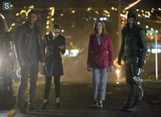Arrow - Episode 2.22 - Streets of Fire - Promotional Photos  (2)