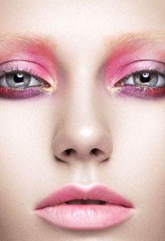 #beautymakeup #creativebeauty #editorialmakeup