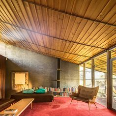 The roof pictured is similar to that of the roof in the Featherstone House. This was Robin Boyd's actual residence, hence the similarities.