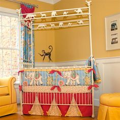 Animal Walk Iron Crib In Antique White and Luxury Baby Cribs in Baby Furniture Baby Boy Rooms, Baby Boy Nurseries, Baby Cribs, Baby Room, Vintage Circus Nursery, Iron Crib, Luxury Nursery, Interior Design Guide, Baby Furniture