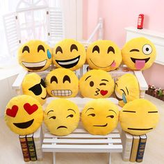Toys & Hobbies Just 50pcs Emoji Poop Plush Keychain Birthday Party Favors Supplies Mini Pillows Set Emoticon Backpack Clips Plush Toys Movies & Tv