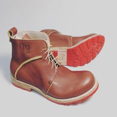 Теперь можно найти нашу обувь в @nebo_conceptstore на Никитском бульваре 17 #Notmysize #leoncrayfish #shoemakingstudio #conceptshoes #leathersole