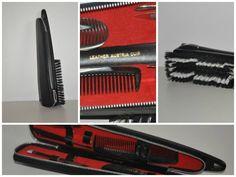 Brosse à chaussure,compartiment avec langue de chat, pince, lime, outils à cuticule, peigne, en excellente condition. En cuir véritable. De couleur noir. 12$
