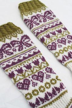 Lempipäiväni -tänään.: Vähemmän valmista, enemmän kesken Wool Socks, Knitting Socks, Cross Stitch Bookmarks, Mittens, Needlework, Knit Crochet, Fashion Accessories, Projects To Try, Gloves