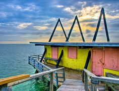 Stiltsville houses in Biscayne National Park on the Atlantic Ocean near Miami. This picture does not do it justice ! This place is so very neat ! Old Florida, Florida Beaches, Biscayne National Park, Miami Beach, Miami Dade County, Key Biscayne, Park Service, Sunshine State, Another World