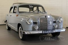 Buying a Classic Car? Mercedes Benz cars for sale. Take a look at this Mercedes Benz classic car and contact us to buy an authentic Mercedes Benz oldtimer! Mercedes 180, Mercedes Benz Models, Classic Mercedes, Old Vintage Cars, Antique Cars, Suzuki Sj 410, Carl Benz, Old Classic Cars, Commercial Vehicle