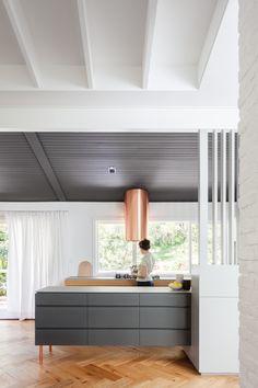 Contemporary Decor, Modern Decor, Modern Lamps, Kitchen Contemporary, Mid Century Modern Kitchen, Minimal Home, Deco Design, Interior Design Kitchen, Kitchen Designs