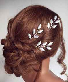 Hey, I found this really awesome Etsy listing at https://www.etsy.com/listing/492221262/silver-leaf-hair-vine-silver-leaf-hair
