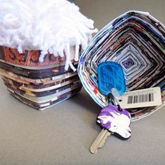 The Gilded Hare: recycle old mags into a little bowl!