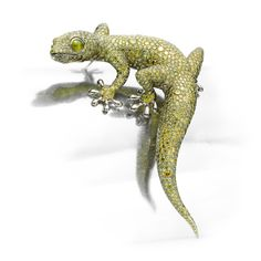 A Fancy Green Diamond, Cat Eye Chrysoberyl and White Gold 'Gecko' Brooch, by Hemmerle diamonds weighing approximately carats Dragon Jewelry, Bird Jewelry, Animal Jewelry, Jewelry Art, Jewelery, Jewellery Box, Reptiles, Lizards, Jewellery Sketches
