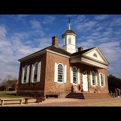 Colonial Williamsburg Courthouse by lilyteen via Instagram.