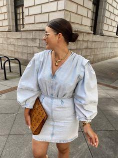 10 DENIM (& white) SUMMER OUTFIT IDEAS White Summer Outfits, Spring Outfits, Casual Summer, Summer Wear, Chic Outfits, Fashion Outfits, Curvy Fashion, Fashion Black, Petite Fashion