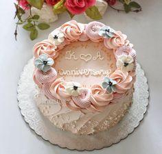 Ideas For Pasta Design Beautiful Buttercream Designs, Buttercream Decorating, Cake Decorating Techniques, Cake Decorating Tips, Mini Cakes, Cupcake Cakes, Cupcakes, Buttercream Birthday Cake, Gateaux Cake