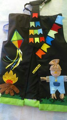 colete para festa junina, todo forrado, resistente e todo trabalhado em 3D , RECORTES COSTURADOS, NAO SAO SÓ COLADOS, para uma maior durabilidade. Temos vários modelos e opções para menina e menino. VALOR PARA TAMANHOS DE 2 ANOS EM DIANTE, ABAIXO O VALOR É MENOR. Halloween Costumes, Patches, 3d, Sewing, Ethnic Dress, Aprons, Clowns, Arches, Appliques