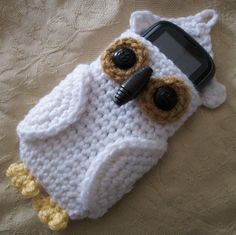 Open view of the Hedwig the Owl cell phone case I made.