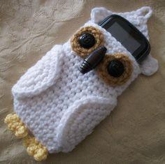 Crochet Purses Ideas Owl Cell Phone Cozy By Linda Cyr - Free Crochet Pattern - (ravelry) - Crochet Owls, Crochet Purses, Love Crochet, Crochet Gifts, Knit Crochet, Easy Crochet, Owl Patterns, Knitting Patterns, Crochet Patterns