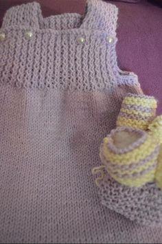 Il mio Mondo: vestitino bimba 6/9 mesi realizzato a maglia+ bab...