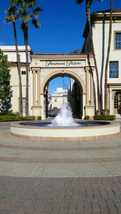 Melrose gate at Paramount Pictures Studio. Founded in 1912.  Hollywood, Los Angeles, CALIFORNIA