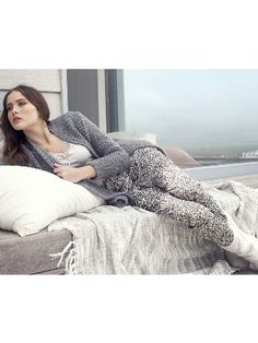Lingadore Enola Gespot op http://www.suitofsin.nl Lingadore Loungewear Enola Long pants with pleats