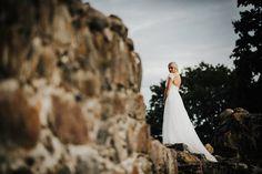 Bride and her dress. Morsian Kuusiston linnanraunioilla. #wedding #bride #dress #gown #weddingphotography #finland #häävalokuvaus #häät #kuusisto #kuusistonlinnanrauniot