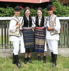 Traditional Romanian folk costumes from Mediaş, Sibiu County, Transylvania | Flickr - Photo Sharing!